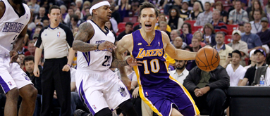 Lakers favored to miss playoffs after falling to Clippers